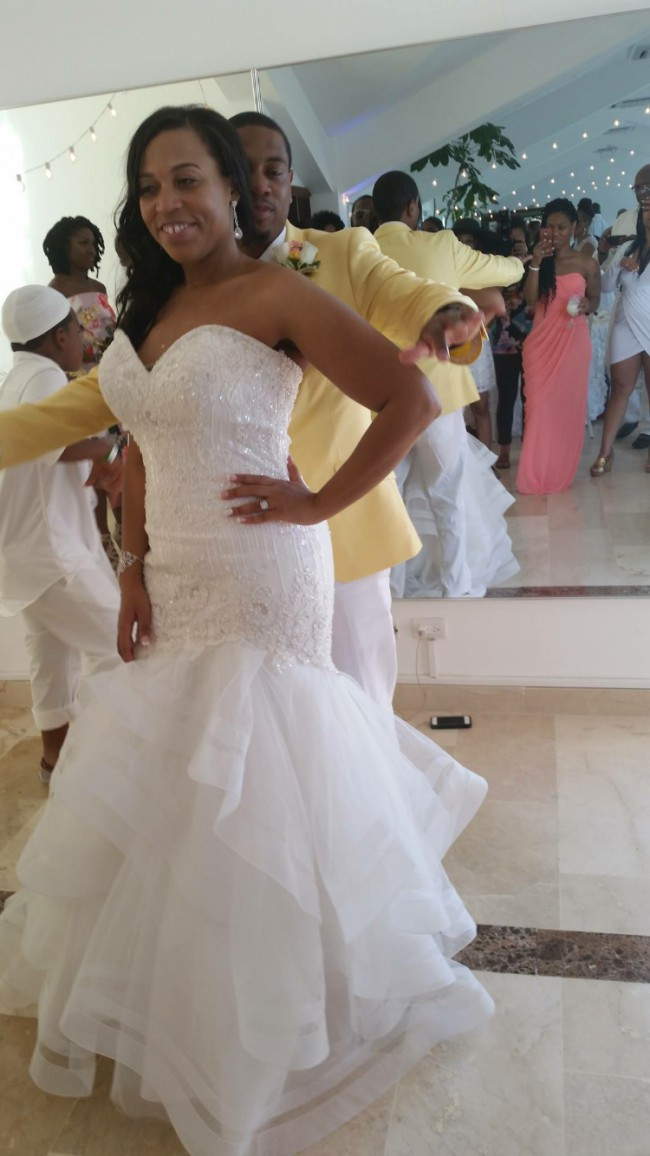 Allure Bridals 9364 Second-Hand Wedding Dress on Sale 54% Off