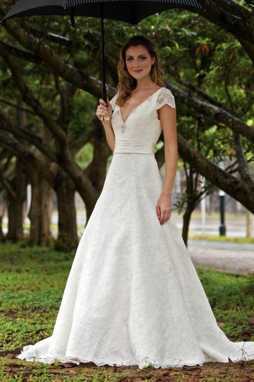 Augusta jones cyd preowned wedding dress on sale 79 off for Augusta jones wedding dresses for sale