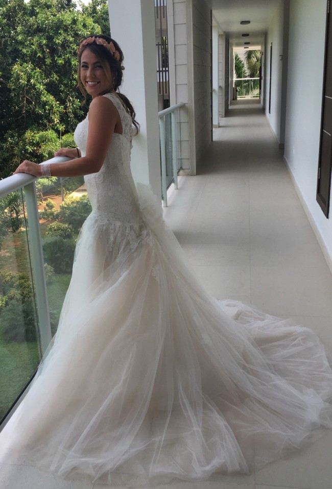 Monique Lhuillier Anouk Wedding Dress on Sale 30% Off