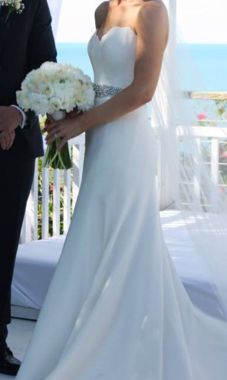 Martina liana style 562 second hand wedding dress on sale for Second hand wedding dresses near me