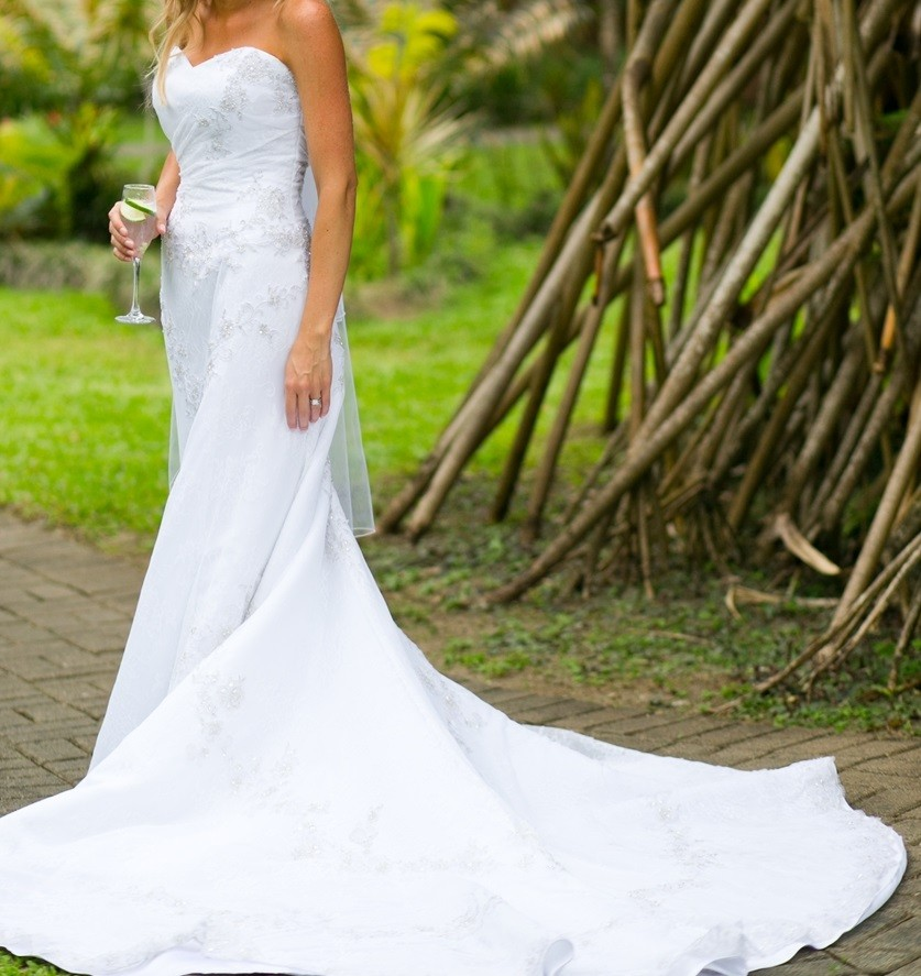 Second Hand Wedding Dresses: Henry Roth Second Hand Wedding Dress On Sale 74% Off