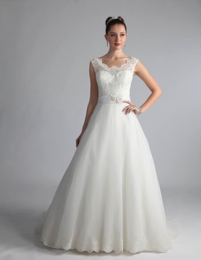 Venus Bridal QT4606 - Second Hand Wedding Dresses - Stillwhite