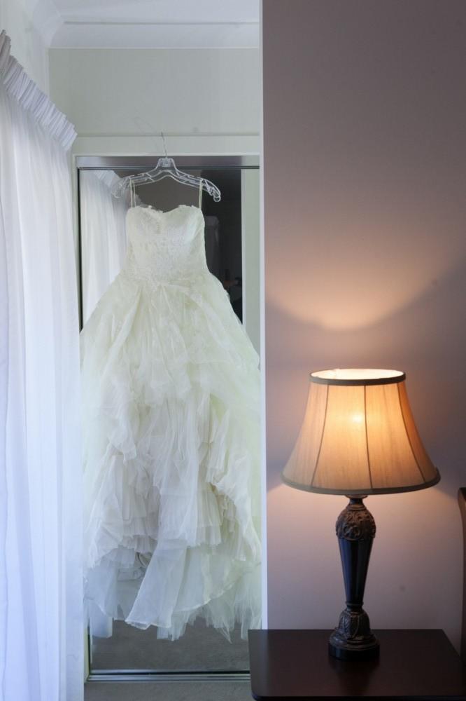 Vera wang eliza second hand wedding dress on sale 68 off for Second hand vera wang wedding dress