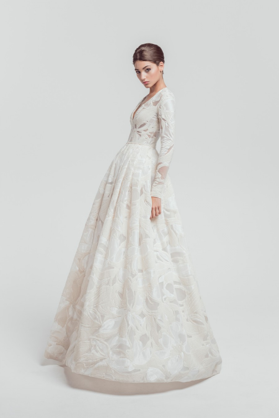 40 snow ready winter wedding dresses isabel zapardiez junglespirit Image collections