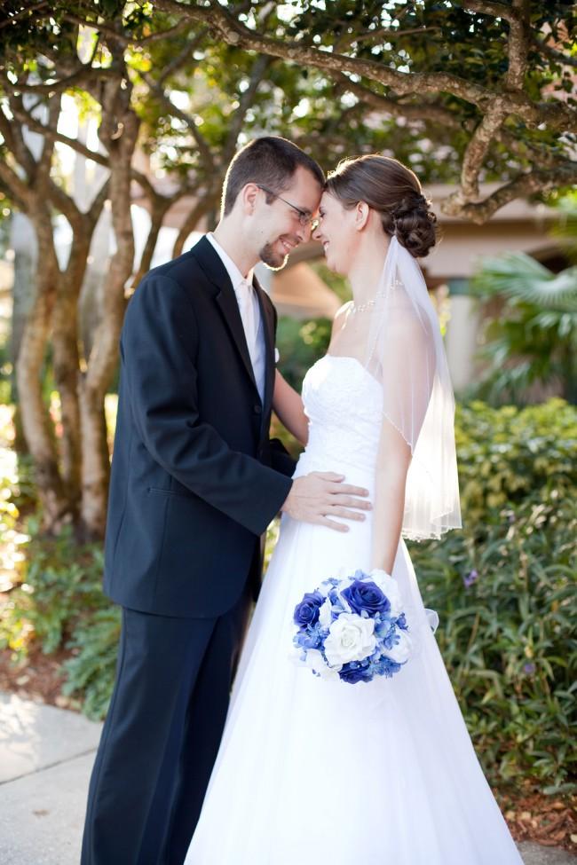 V9409 wedding dress