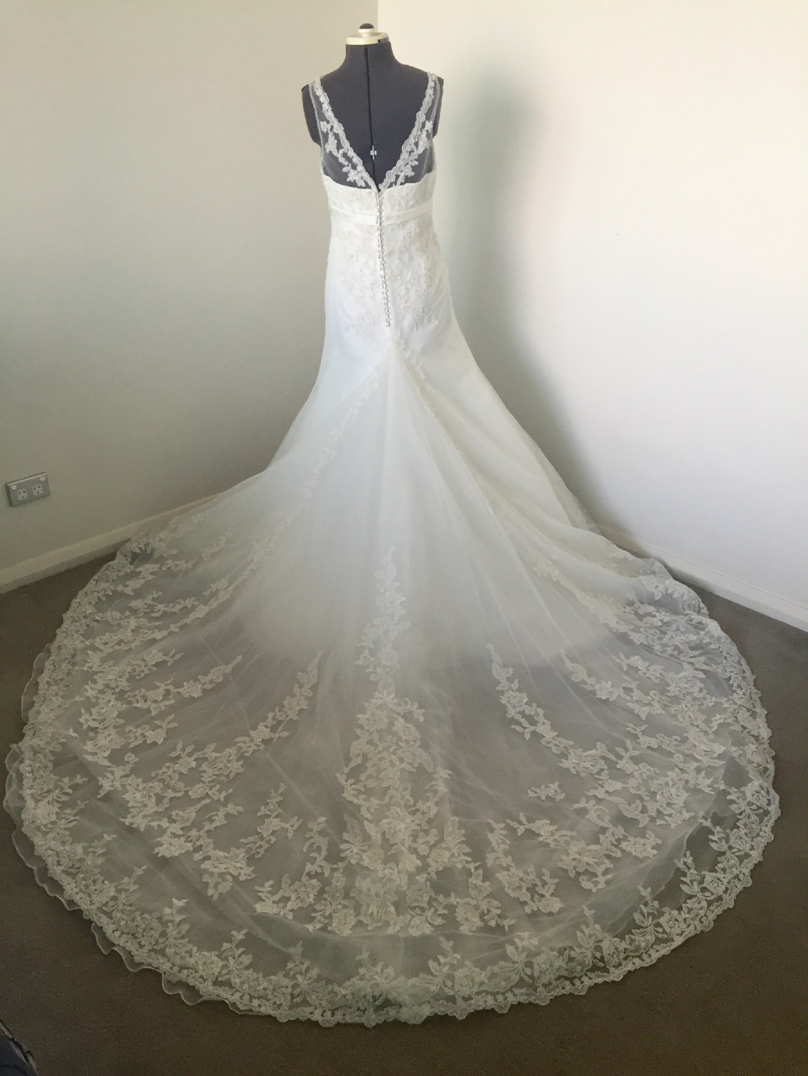 Alfred Angelo Wedding Dresses Reviews : Alfred angelo wedding dress on sale