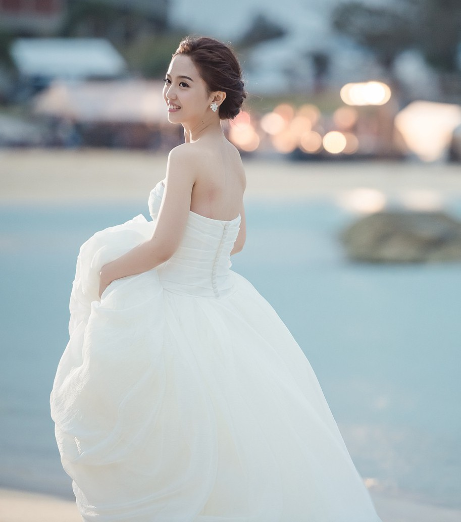 Famous Emily Maynard Wedding Dress Embellishment - All Wedding ...