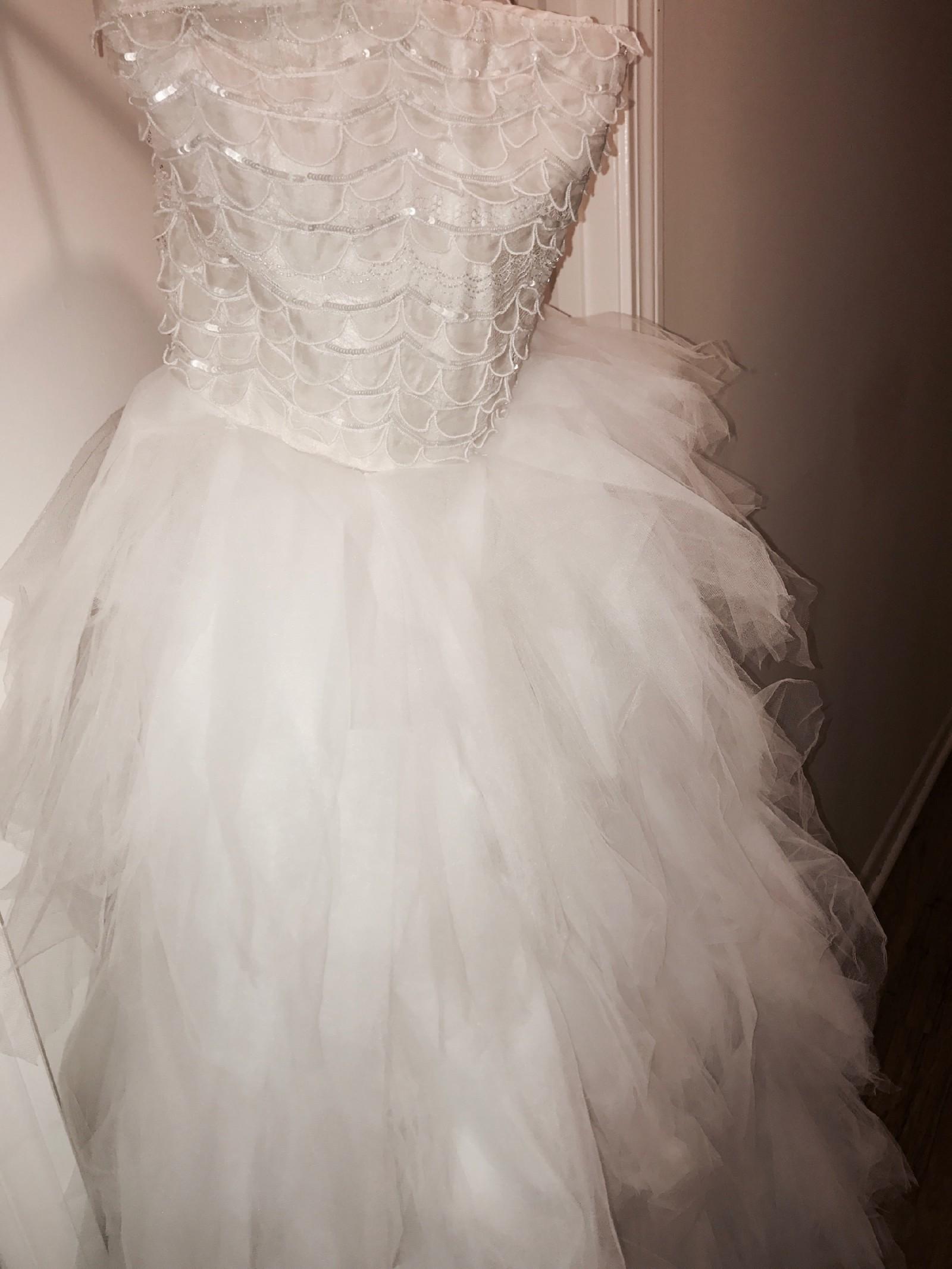 Oscar de la renta custom made 33e77 new wedding dress on for How much do oscar de la renta wedding dresses cost