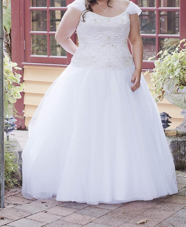 Disney Belle Wedding Dress: Alfred Angelo Belle's Disney Princess Second Hand Wedding