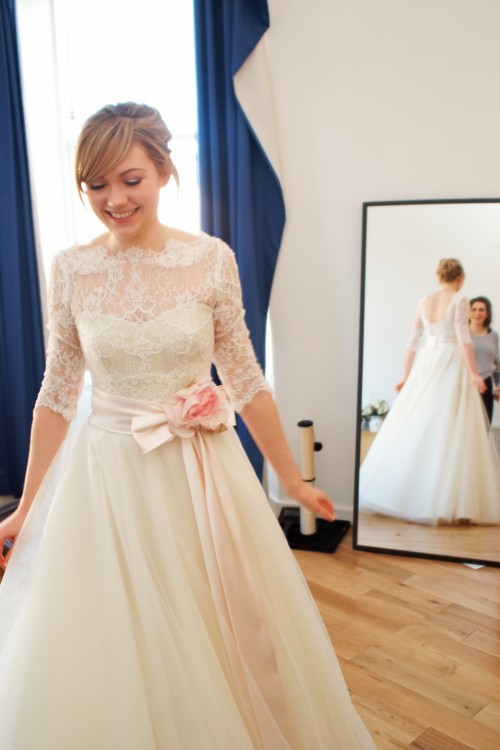 Stephanie Allin Bardot Long Second-Hand Wedding Dress on Sale 71% Off