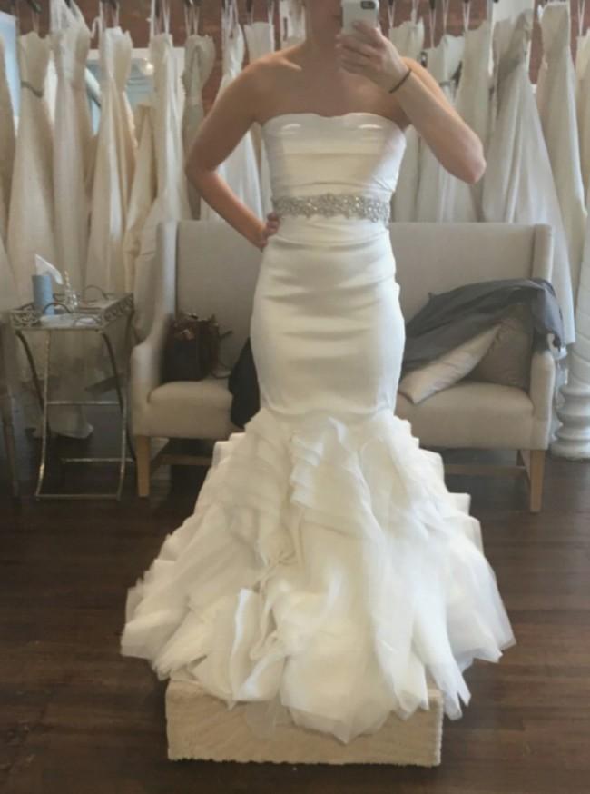 Vera Wang Ethel New Wedding Dress on Sale 46% Off - Stillwhite
