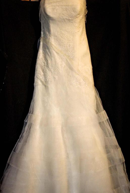 Vera wang second hand wedding dress on sale 66 off for Second hand vera wang wedding dress