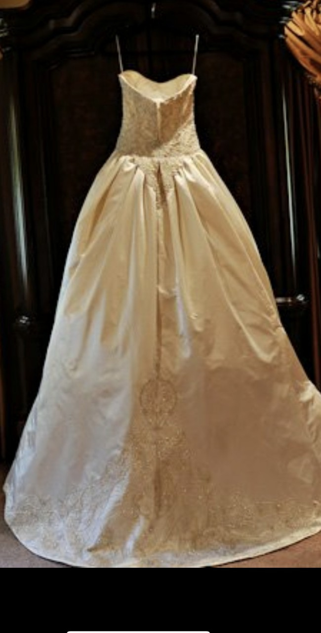 Vera Wang - Used Wedding Dresses - Stillwhite