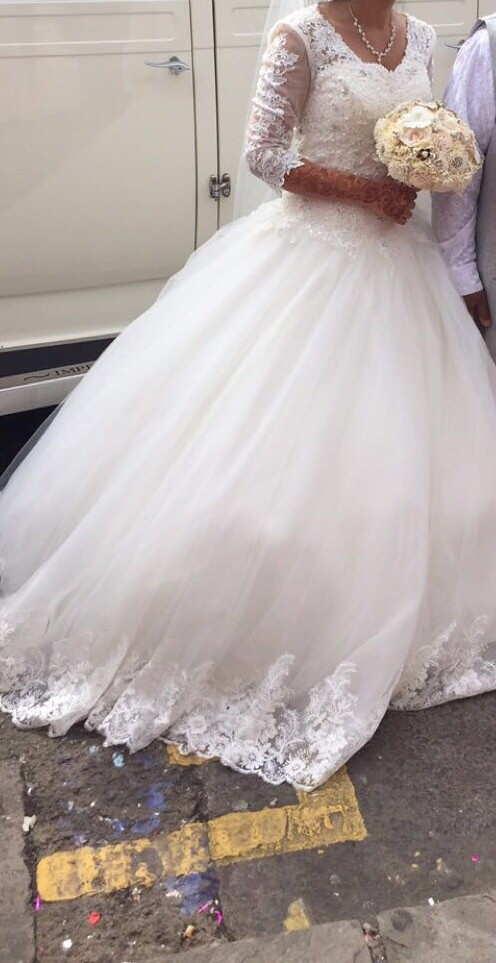 Ball Gown PreOwned Wedding Dress on Sale 56% Off