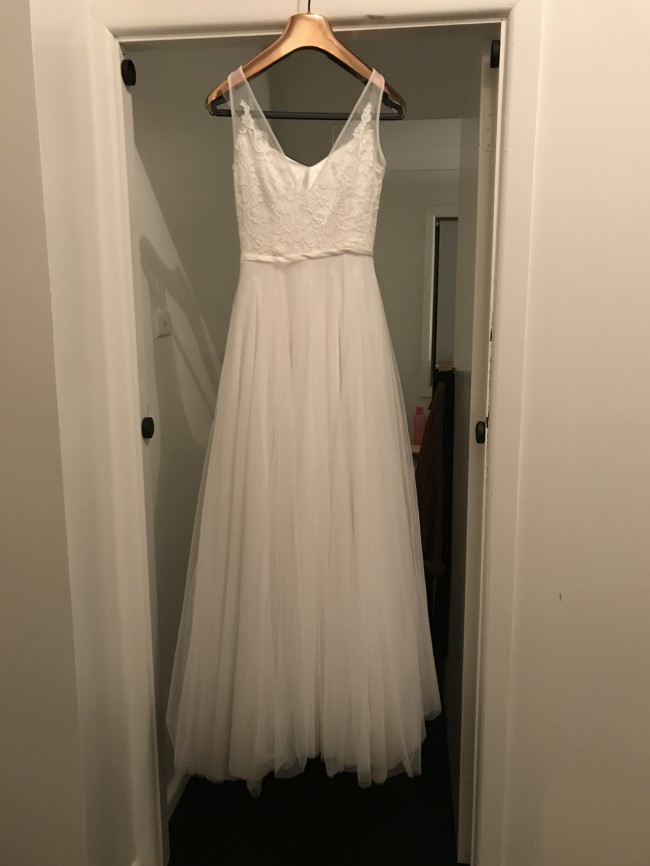 Made With Love Willow gown Used Wedding Dress on Sale 59% Off