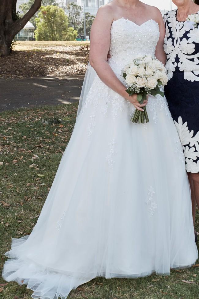 Jessica Bridal Casey - Used Wedding Dresses - Stillwhite