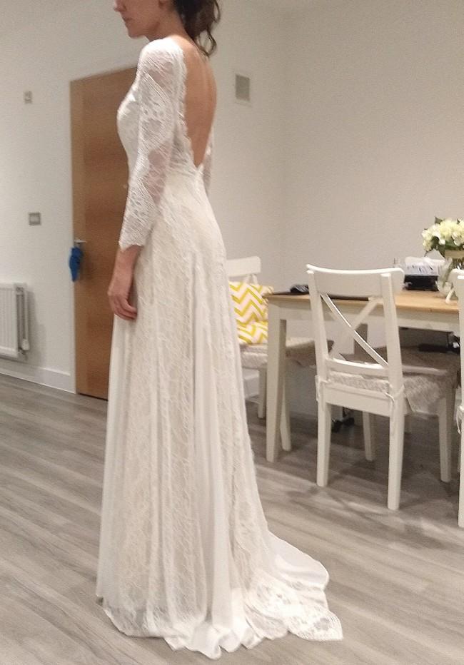 Fit Amp Flare Sample Wedding Dress On Sale 69 Off Stillwhite