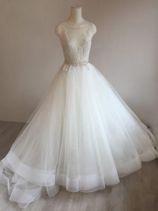 Lazaro 3607 sample wedding dress on sale 44 off for Lazaro lace wedding dress