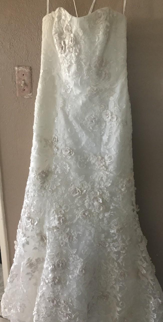 Oleg Cassini Subtle Pink 3d Floral Wedding Dress Second Hand
