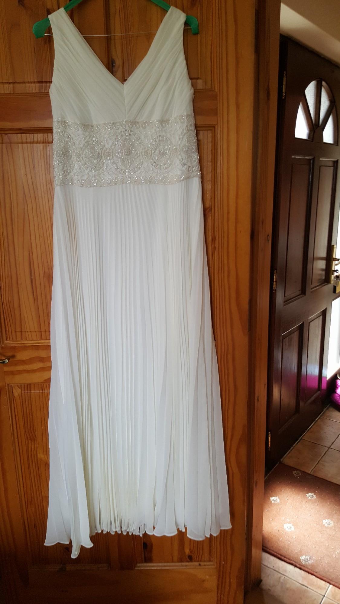 Johanna hehir second hand wedding dress on sale 44 off for Second hand wedding dresses london