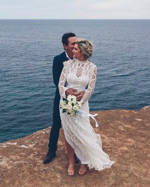 Grace Loves Lace Blanc Gown Preowned Wedding Dress On Sale