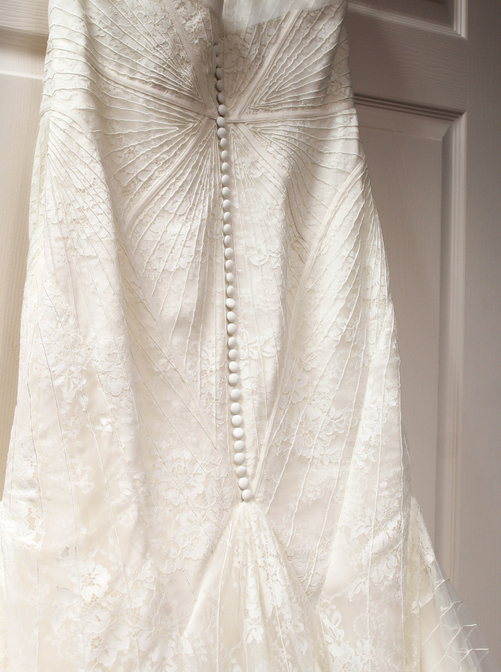 Truly zac posen geometric corded wedding dress used for Zac posen wedding dresses sale