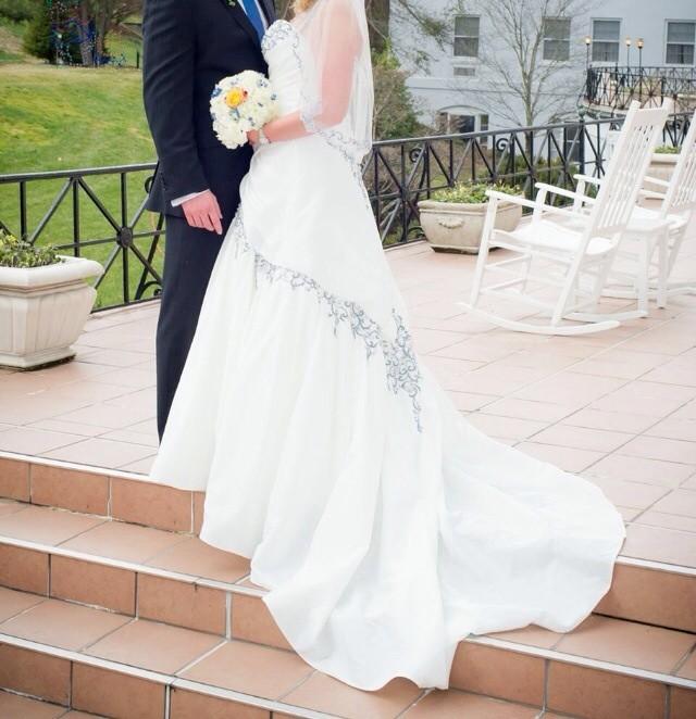 Sophia Tolli Preowned Wedding Dress On Sale 89% Off