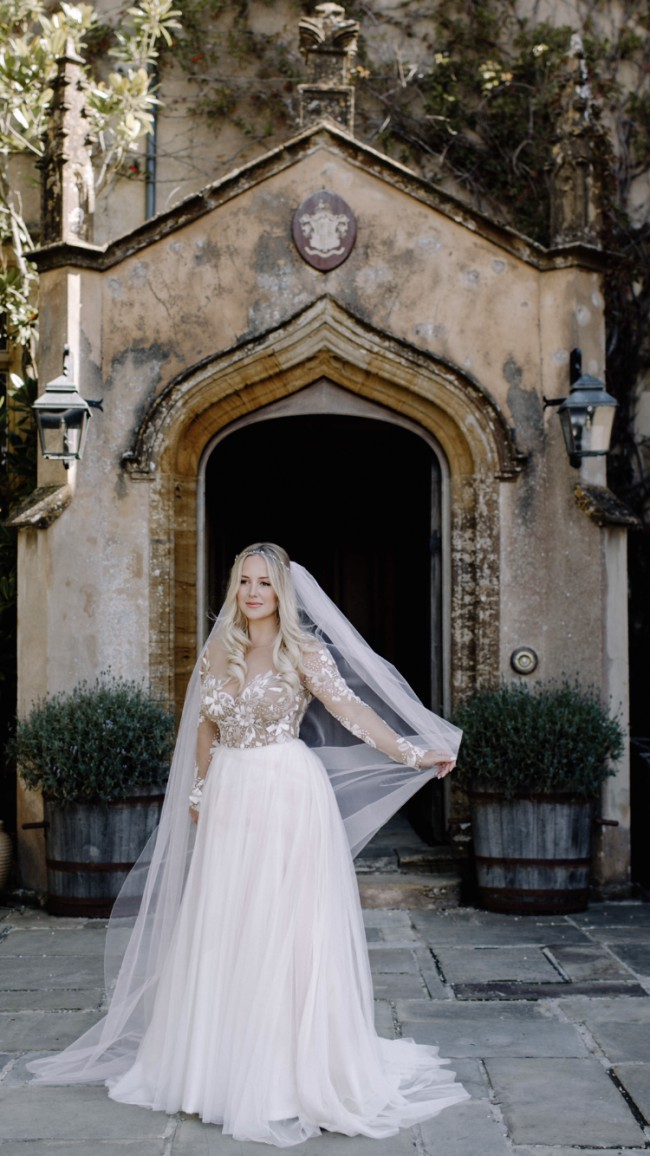 Hayley Paige Remmington Preowned Wedding Dress On Sale 65 Off