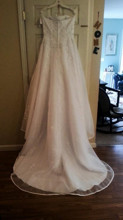 David's Bridal, Lady Eleanor