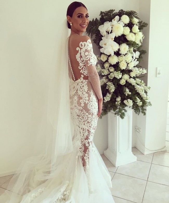 Leah da gloria used wedding dress on sale 44 off for Leah da gloria wedding dress cost