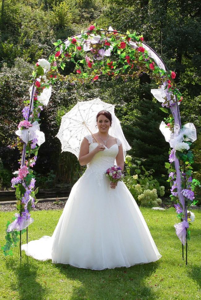 Abbey Bridal, Benton