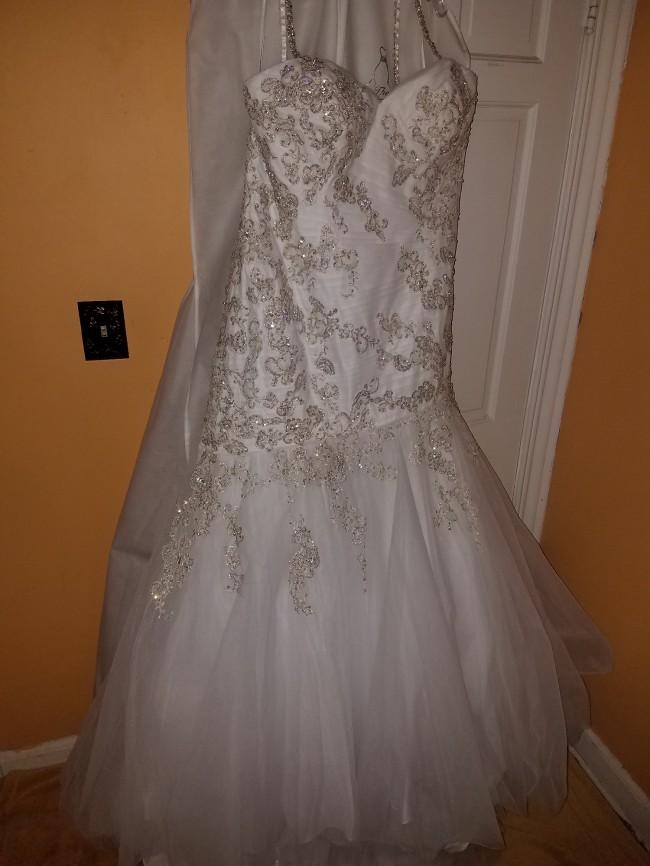 Allure Bridals, W372