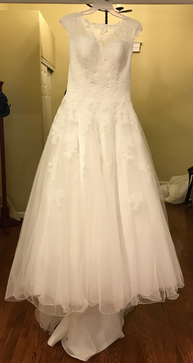 Sweetheart Gowns 6097 New Wedding Dress on Sale 54% Off - Stillwhite
