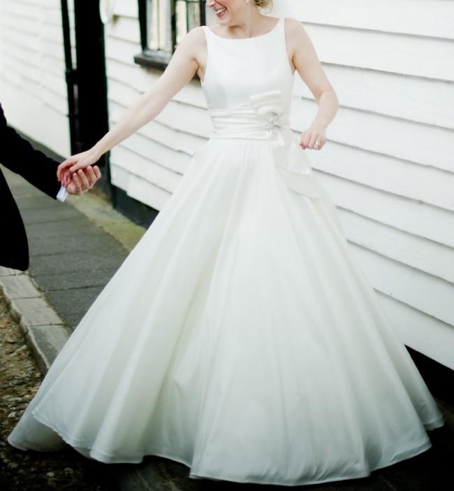 Second Hand Wedding Dresses: Sassi Holford Beatrice Second Hand Wedding Dress On Sale