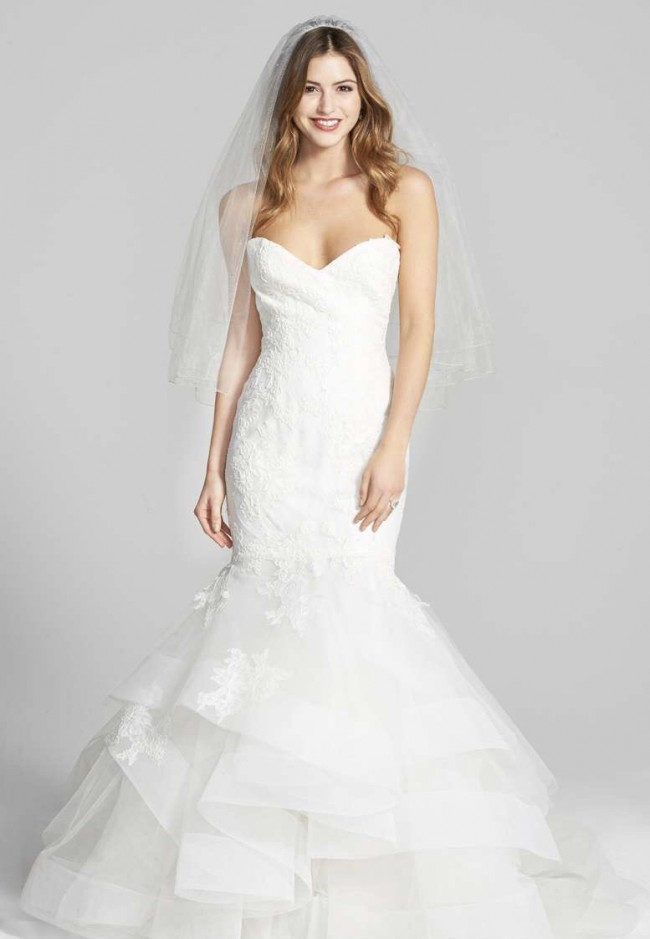 Monique Lhuillier Lace & Tulle Bliss BL1512 Sample Wedding Dress on ...