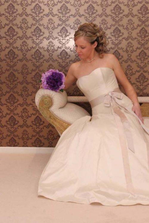 Jean fox new wedding dress on sale for Off the rack wedding dresses melbourne