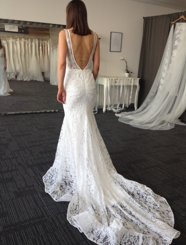 Datto Bridal Designs, Size 2,4,6,8,10US avalable