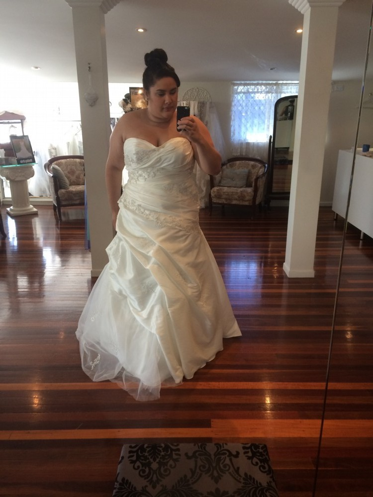 Marchesa new wedding dress on sale 76 off for Marchesa wedding dress sale