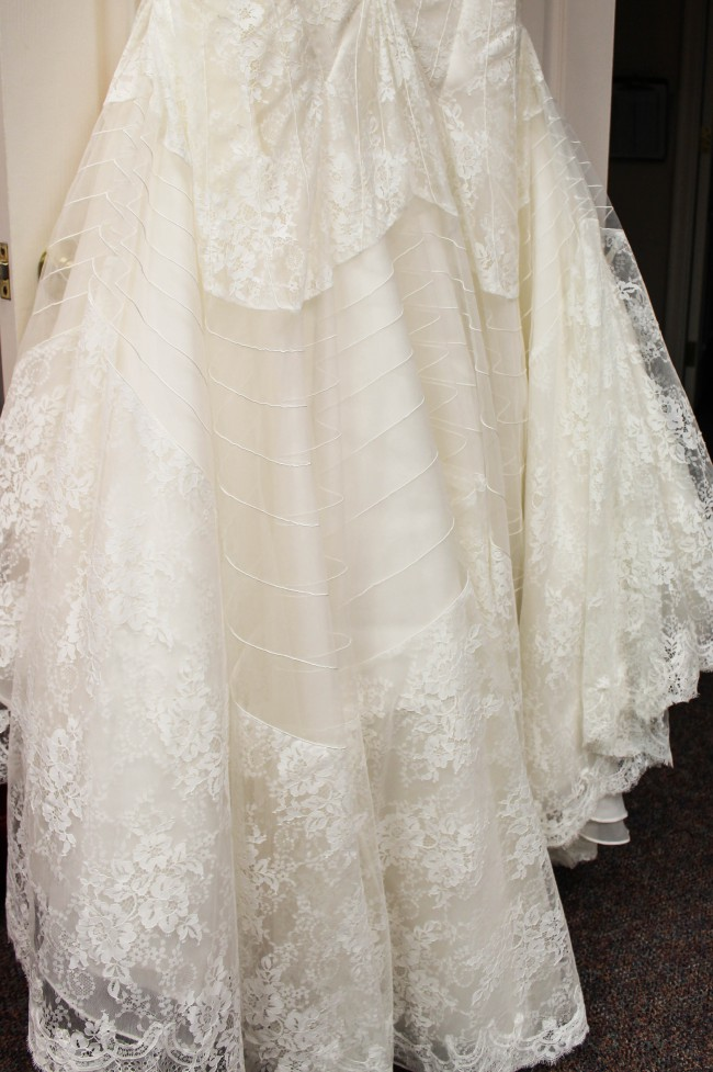 Truly zac posen geometric corded wedding dress used