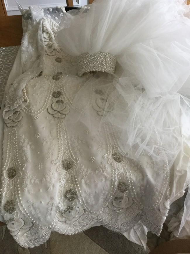 Mon amie reduced price used wedding dresses stillwhite for Mon amie wedding dresses