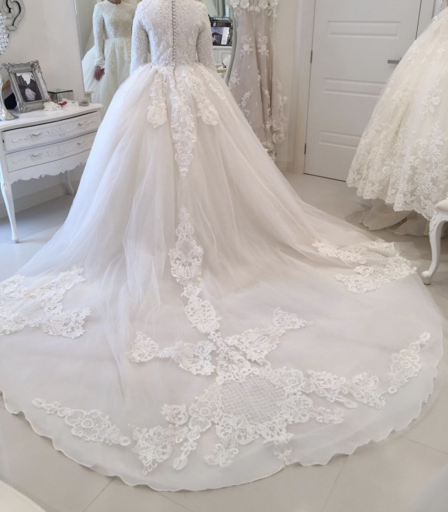 Suzanna blazevic custom made pre owned wedding dress on for Suzanna blazevic wedding dresses
