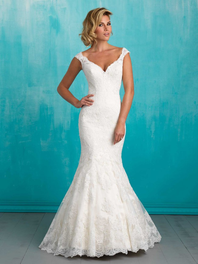Dorable Pre Owned Wedding Gown Motif - Womens Dresses & Gowns ...