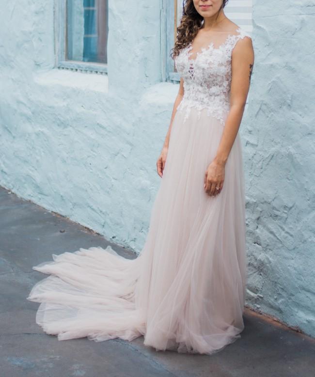 Stella York 6490 Used Wedding Dress on Sale 38% Off
