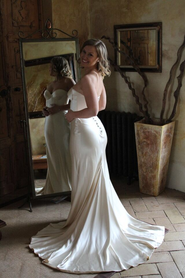 johanna johnson custom made second hand wedding dress on