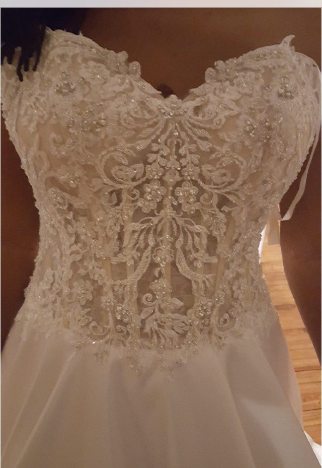 Morilee 8114 sample wedding dress on sale 50 off for Where can i sell my wedding dress locally