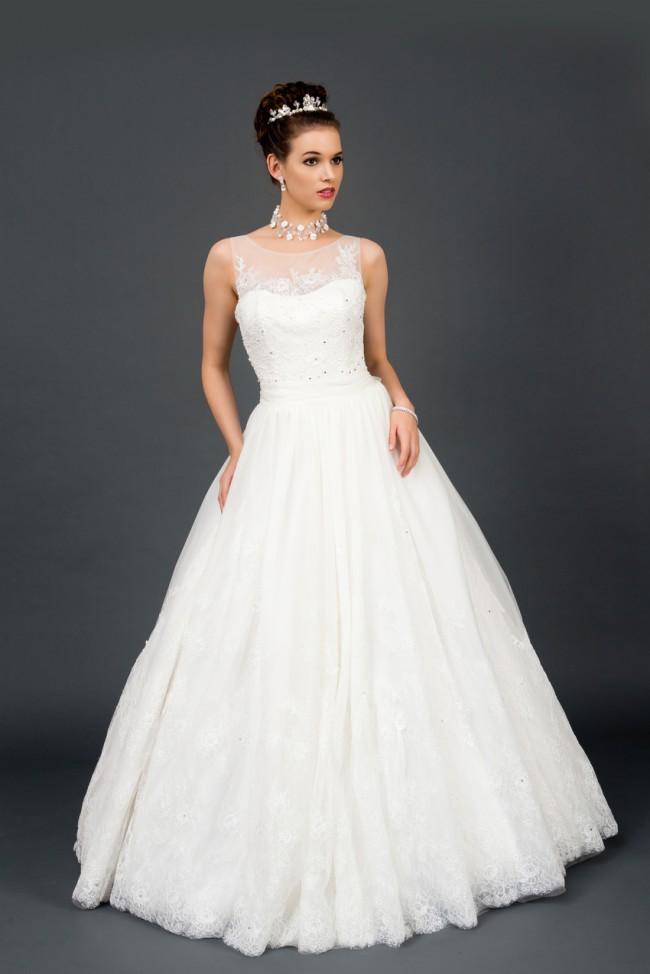 Winnie Bridal - Sample Wedding Dresses - Stillwhite