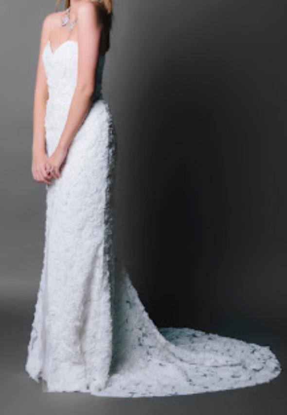 Jennifer Gifford Fleur Second Hand Wedding Dress on Sale 70% Off