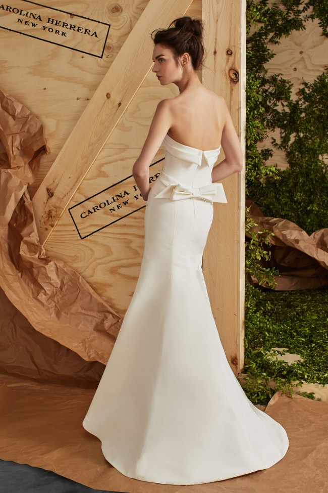 Carolina herrera arielle preowned wedding dress on sale 35 Carolina herrera wedding dresses for sale