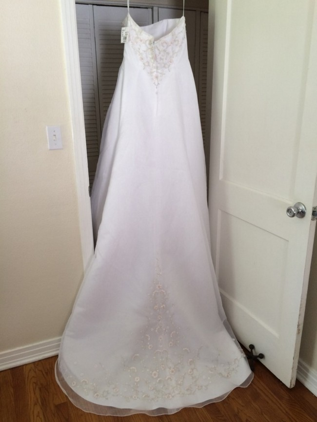 David S Bridal V8820 New Wedding Dress On Sale 75 Off