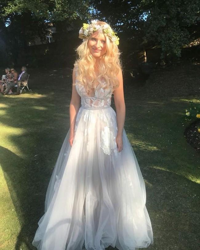 Second Hand Wedding Dresses: Watters Galatea Second Hand Wedding Dress On Sale 44% Off